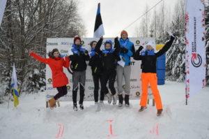Rakvere OK noored medaleid tähistamas